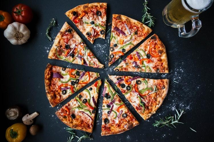 Mamma, stasera per cena mi stampi la pizza? La stampa 3D nel mondo del cibo